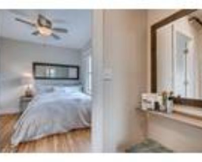 Roommate wanted to share 1 Bedroom 1.5 Bathroom Apartment...
