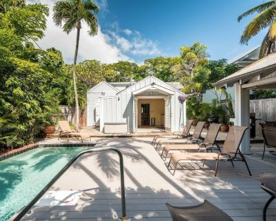 PAGITT HOUSE - Old Town Weekly Rental - Private Pool - 3BR/2BA - Sleeps 6 - Historic Seaport