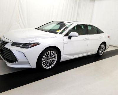 2019 Toyota Avalon Hybrid XLE (Natl)