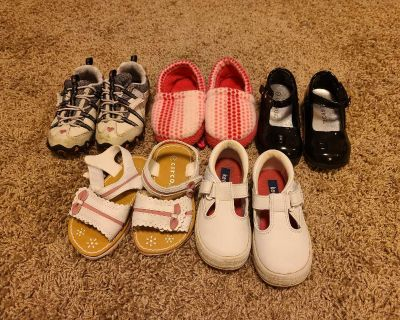 Little Girl's Size 7 Shoes