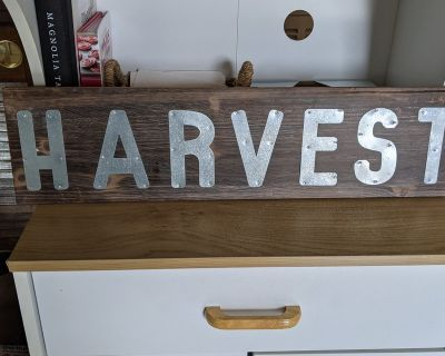 Fall harvest sign wood.