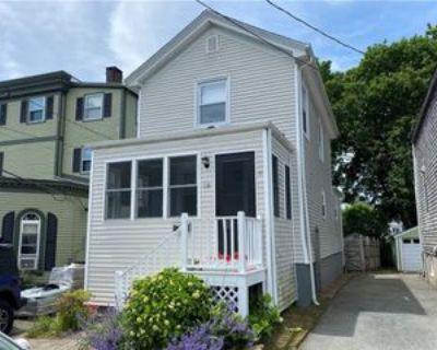 18 Almy St, Newport, RI 02840 2 Bedroom Apartment