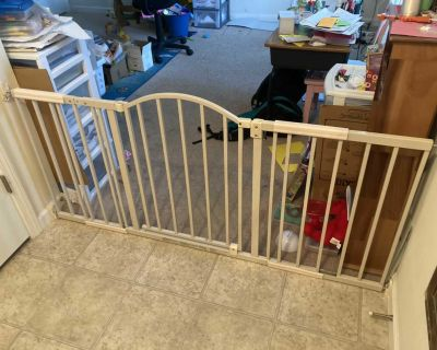 Summer extra long baby / pet safety metal gate