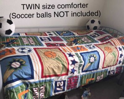 4-piece TWIN Size Sports-Themed Bedding Set!