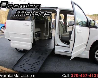 2014 Dodge Grand Caravan SE BraunAbility Handicap Van