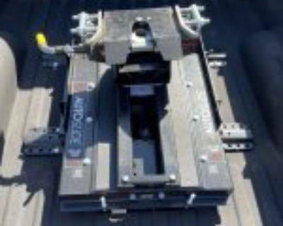 Demco 18k auto slide 5th wheel hitch $380