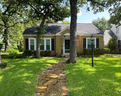 Brown-Sloan: Fort Worth Oakhurst Estate Sale