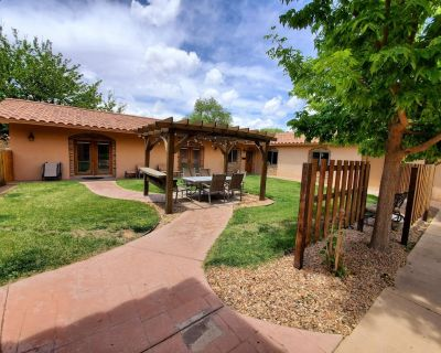North Valley Estate Guest House - 1800 Sq.ft. - Alamedan Valley