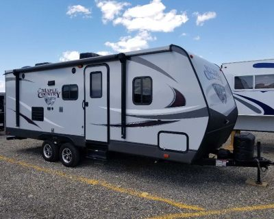 Maple country travel trailer