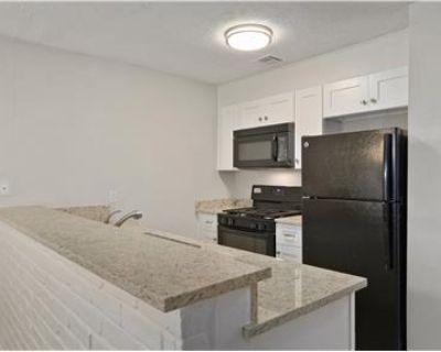 $795 / 2br - Updated 2 BR Apartment for rent!