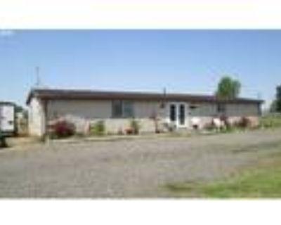 Hermiston Real Estate Home for Sale. $229,900 3bd/2ba. - Melinda Newman