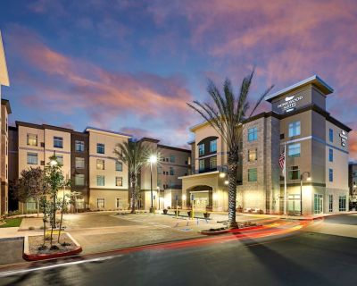 2-Bedroom Suite at Homewood Suites by Hilton Los Angeles Redondo Beach by Suiteness - North Redondo