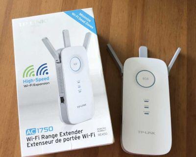 TP Link Wi-Fi Range Extender AC 1750