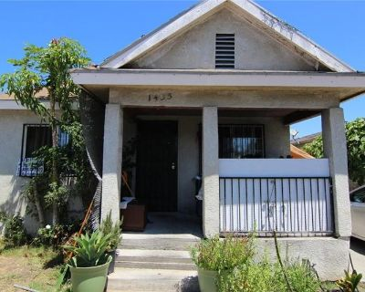 Multi Family for sale in Los Angeles, CA By LA CashDeals.com