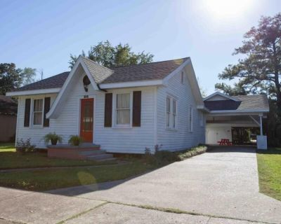Cajun Home That Sleeps 8 Comfortably And Perfect Location To Explore Lafayette - Lafayette