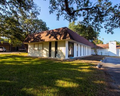 Office Property for Sale on Three Notch Road
