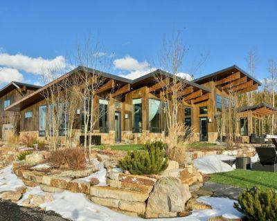 Mountaintop Luxury Villa/Amazing Views/Hot Tub/Firepit - FREE Activities & Equipment Rentals Daily - Winter Park