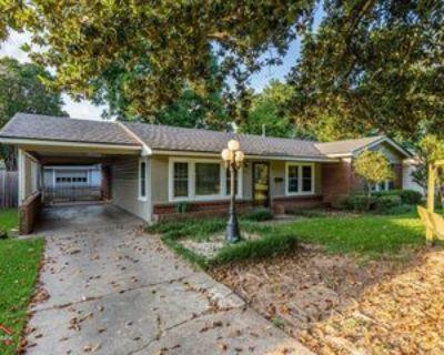 144 Norwood St #1, Shreveport, LA 71105 3 Bedroom Apartment