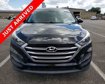 Pre-Owned 2017 Hyundai Tucson SE FWD SUV