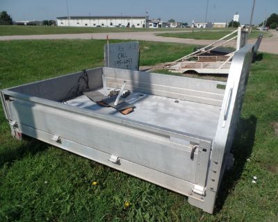 USED ALUM FLAT BED 9FT EBY