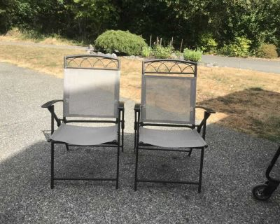 Set of 2 Lawn/Patio Chairs