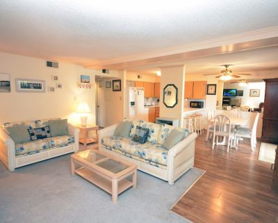 Cute, spacious 2 bedroom condo with an outdoor pool, and a woodsy view located uptown on the bayside and less than five blocks from the beach! - North Ocean City