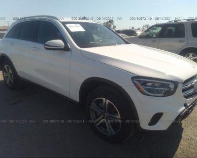 Salvage White 2020 Mercedes-benz Glc