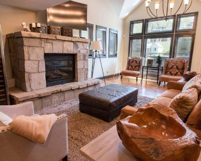 Beautiful Luxury 5 Bedroom Town Home Near Main Street and the Deer Valley Slopes-Click to Save - Park City