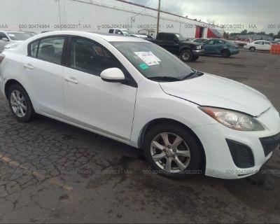 Salvage White 2011 Mazda Mazda3