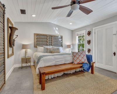 Luxury+Privacy! 3bedroom/3bath in of Fredericksburg! - Fredericksburg