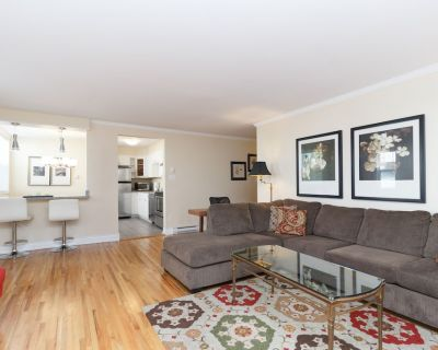 Large 2 Bedroom Renovated Suite in Restored Heritage Building - Near Downtown! - Rockland