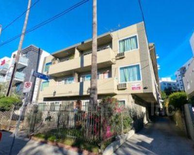 7125 Hawthorn Ave #14, Los Angeles, CA 90046 1 Bedroom Condo