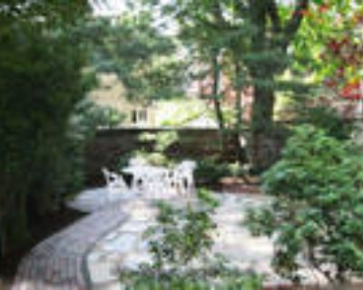 Fully-Furnished Bi-Level 3BR+study, 1.5BA, near Harvard and Lesley Universities