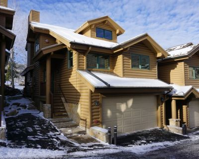 4Bedroom 3Bath/Private Hot TubCondo Just Steps to Park City and Deer Valley - Park City