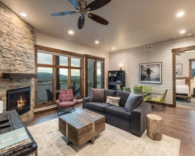*NEW Canyons Luxury Home* Two King Suites, No Car Needed Free On Call Shuttle + Hot Tub,Gym & Pool - Park City