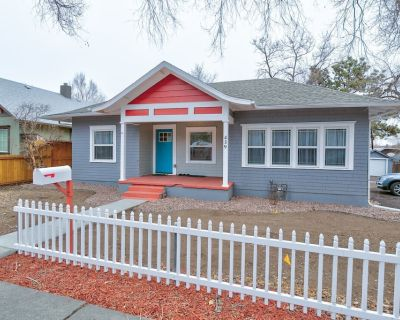 Near-Downtown Beautiful, Peaceful & Spacious 3-BR 8 Guests Cottage Dog Friendly - Old Colorado City