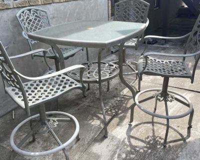 Patio Table + 4 Chairs
