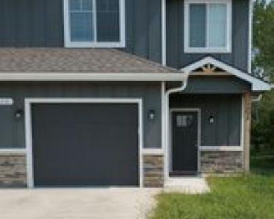 1220 Sw Harvey St #B, Topeka, KS 66604 3 Bedroom House