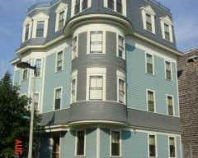 $1400 3 apartment in Dorchester