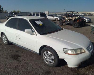 Salvage White 2001 Honda Accord Sdn
