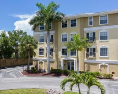 10090 Lake Cove Dr #302, Fort Myers, FL 33908 3 Bedroom Condo