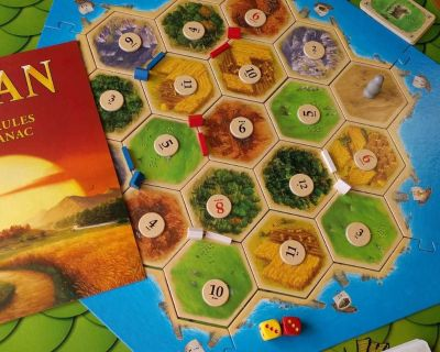 ISO- Settlers of Catan and Ticket to ride