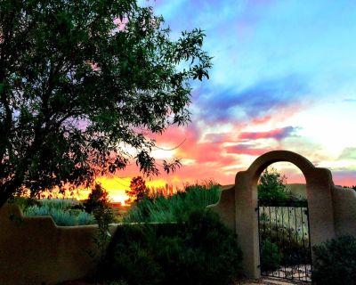 'Casa de Cielo'~ AMAZING Property ~15 Minutes to ABQ !! Outstanding REVIEWS :) - Placitas