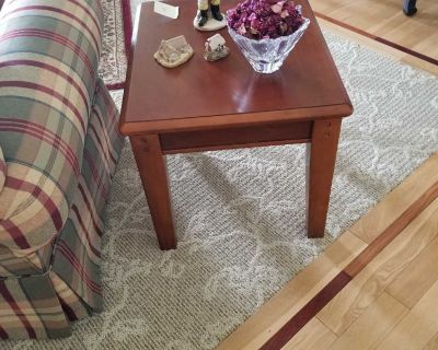 VERY NICE SIDE TABLE.....GREAT CONDITION