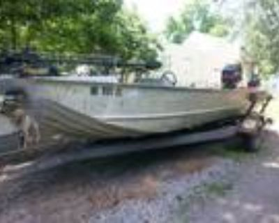 18 foot Monark Duck boat