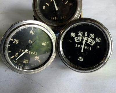 Vintage Stewart Warner gauge set