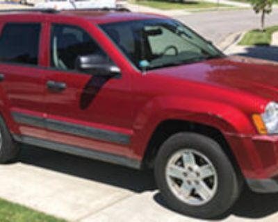 2006 Jeep Grand Cherokee Laredo. Beautiful candy-apple red. A/C, Power