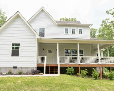 NEW mountain home, open concept with large front and back porches on wooded lot. - Lookout Mountain