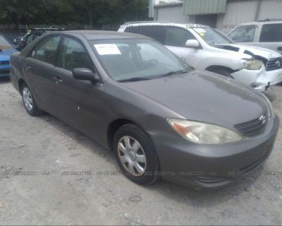 Salvage Green 2002 Toyota Camry