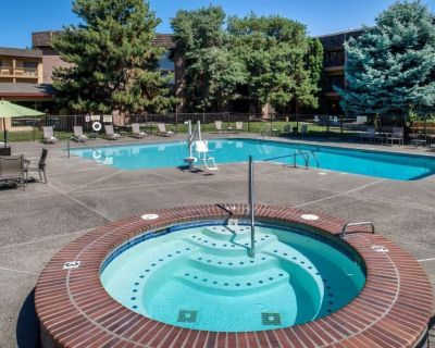 Four Modern 1 BR Units, Pool and Restaurants and Near Attractions - Pasco